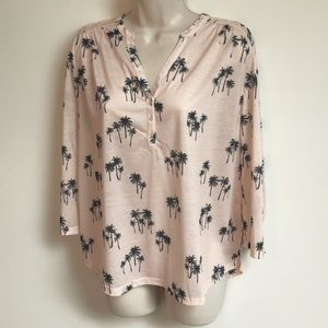 🆕 H&M pink palm tree 3/4 sleeve popover top